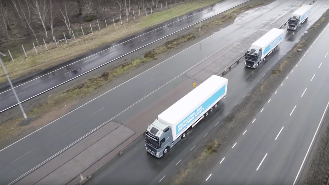 Volvo trucks platooning